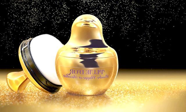 10 засобів, які допоможуть стати Королевою новорічної ночі: Пудра для обличчя та декольте «Золота пилок» від Dr.Pierre RicaudТончайшая золота пудра, немов пилок з крилець