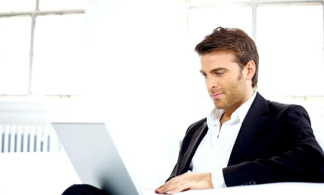 15 фактів про чоловіків: 10. Велика частина серед відвідувачів інтернет-магазинів жіночої нижньої білизни - чоловіки.