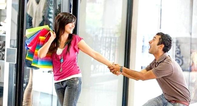 15 фактів про чоловіків: 15. Більшість чоловіків ненавидять робити покупки. Саме тому відділ чоловічого одягу, як правило, розташований на першому поверсі в двох дюймах