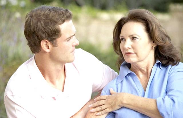 15 фактів про чоловіків: 4. Велика частина холостяків до 27 років живуть під батьківським крилом.
