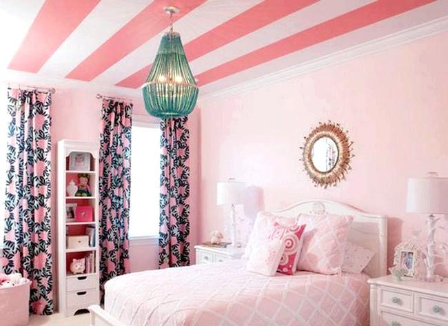 15 ідей для створення казкової дитячої кімнати: А ще більш оригінальний спосіб - розфарбувати стеля яскравими смужками. Головне - витримати дизайн кімнати в таких же тонах.