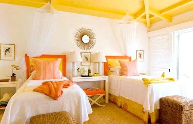 15 ідей для створення казкової дитячої кімнати: Зробити кімнату сонячної допоможе жовтий колір, використовуваний як в обробці, так і в аксесуарах. Варто лише злегка відтінити його апельсиновим