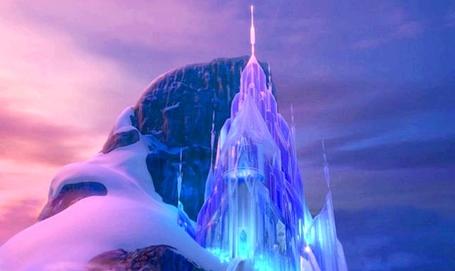 15 місць, що надихнули Діснея на створення їх копій: Крижаний палац Ельзи з мультфільму «Крижане серце», прототип готель