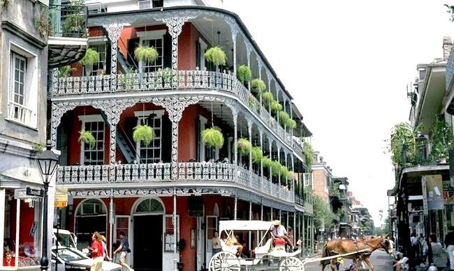 15 місць, що надихнули Діснея на створення їх копій: Мальовничий і унікальне місто з мультфільму «Принцеса і жаба» - це Новий Орлеан 20-х років ХХ сторіччя. Принцеса Тіана з