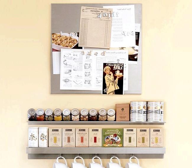 20 простих ідей, як обладнати функціональну кухню: Аксесуари на відкритих полках.Есть речі, які повинні бути завжди під рукою на кухні. Їхнє місце -