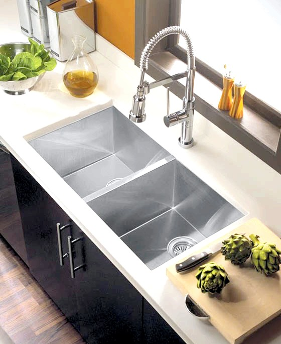 20 простих ідей, як обладнати функціональну кухню: Раковина із збільшеною глубіной.Настоящій подарунок, який можна зробити собі - замовити ергономічну раковину зі збільшеною глибиною.