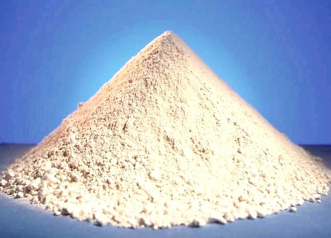 7 секретів Клеопатри для краси вашого тіла: Секрет №4: біла глина Маски з білою глиною - ще одне косметологічне відкриття цариці Нілу. Вчені вважають, що саме
