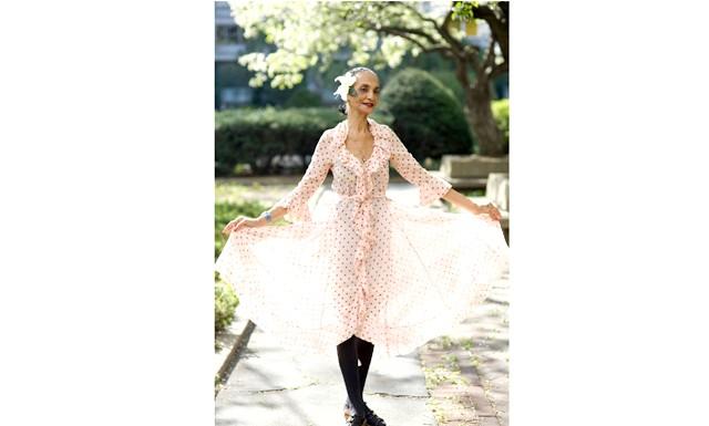 82-річна танцівниця стала обличчям Lanvin: У середу бренд Lanvin представив рекламну кампанію колекції осінь-2012 за участю реальних людей в якості моделей у віці від 18