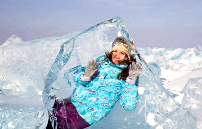 Бірюзові льоди Байкалу, чисті як сльоза: