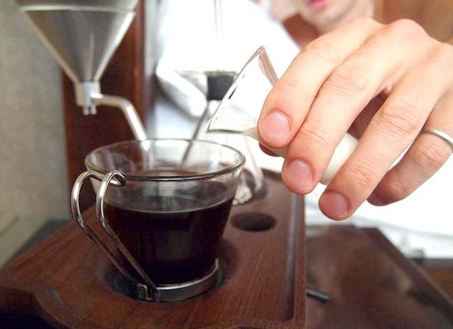 Будильник, який розбудить вас свіжим кави: До речі, після проведення певних експериментів, вчені встановили, що для оптимального пробудження організму потрібно не менше півгодини. І що може бути