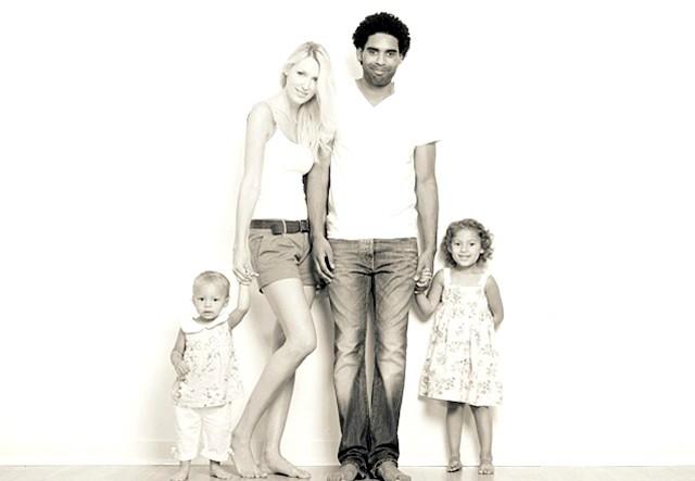 Найкрасивіша сім'я Великобританії: Сім'ю Роулі вважають найвідомішою модельної сім'єю Великобританії, хоча професійною моделлю є тільки мама.
