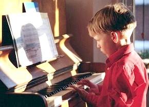 дитина не хоче ходити в музичну школу