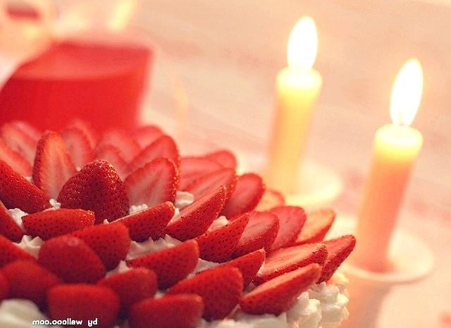 Що приготувати на романтичну вечерю ?: Ідея приготувати коханому чи коханій романтичну вечерю відвідала вас раптово? У такому випадку подивимося, як можна швидко приготувати романтичну вечерю.