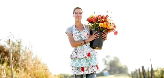 Квіткова ферма сім'ї Бензакен: Ерін Бензакен є засновником та керуючим невеликої органічної квіткової ферми в північно-західній частині штату Вашингтон. Вона відбувся фотограф, письменник, викладач