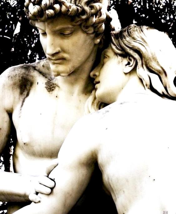 Десять найбільш чуттєвих скульптур закоханих: Адам і ЕваЕта статуя знаходиться в каліфорнійському парку Вілла Монтальво. Її автор - сучасний американський скульптор