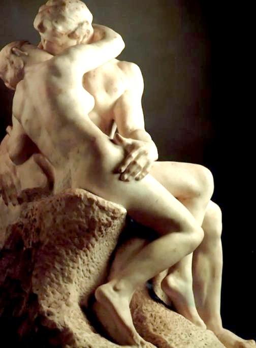 Десять найбільш чуттєвих скульптур закоханих: ПоцелуйЗнаменітая скульптура Огюста Родена «Поцілунок» спочатку носила назву «Франческа да Ріміні», на честь зображеної на ній