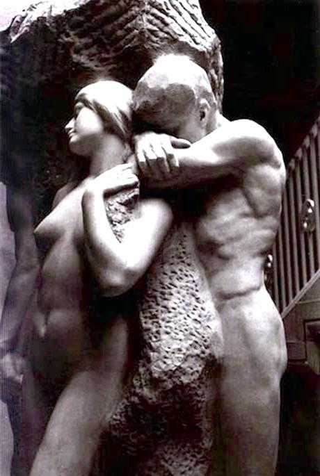 Десять найбільш чуттєвих скульптур закоханих: Самотність душіРабота американського скульптора Лорадо Тафта (1914) - це одна з найбільш пронизливих історій кохання та