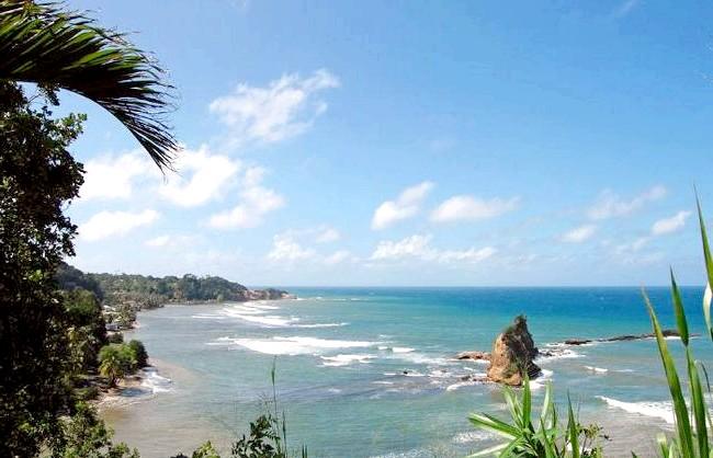 Десять найменш відвідуваних країн світу: 7. Домініка Цей острів, розташований між Карибським морем і північною частиною Атлантичного океану, знаходиться на півдорозі від Пуерто-Ріко до