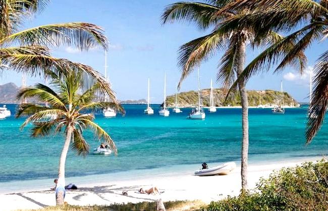 Десять найменш відвідуваних країн світу: 6. Сент-Вінсент і Гренадіни Держава в Карибському морі, яке складається з острова Сент-Вінсент і 32 маленьких острівців групи Гренадіни,