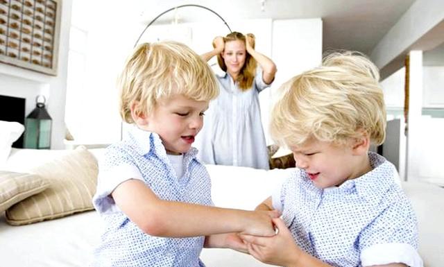 Дитяча жадібність: як з нею боротися: Багато мам б'ються, як «риби об лід», намагаючись вирішити проблему жадібності у дитини. Часто здійснюючи при цьому непоправні помилки. Між