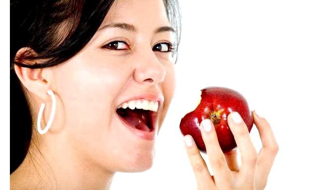 Доведено, що овочі та фрукти не допомагають худнути: У семи клінічних випробуваннях, що проходили під контролем доктора Кетрін Кайзер, брали участь в цілому 1200 осіб. Добровольці дотримувалися раціону