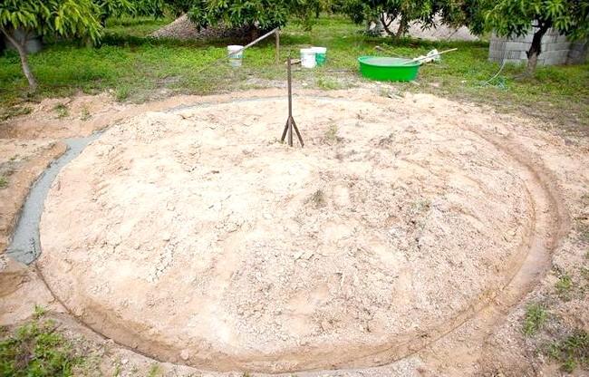 Будинок мрії за півтора місяці і 9000 доларів: Для реалізації цього проекту друг Стіва виділив йому невелику ділянку своєї землі.