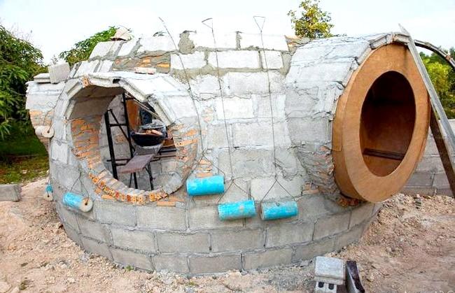 Будинок мрії за півтора місяці і 9000 доларів: У Таїланді будівельні матеріали набагато дешевше, ніж у Європі чи Америці, тому основа будинку обійшлася Стіву всього в шість тисяч