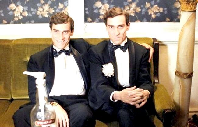 Двадцять комедій для зимового вечора: Ширлі-Мирлі «Ширлі-Мирлі» - отличнейшее кіно з елементами фарсу прямо з лихих 90-х. У фільмі дійсно дуже яскраво