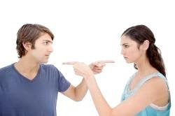 Взаємні звинувачення колишнього подружжя