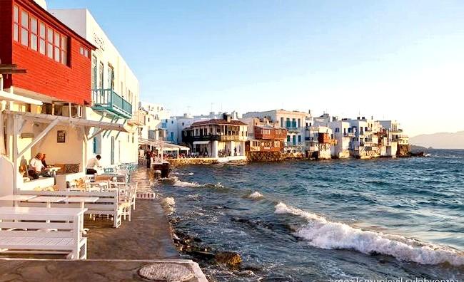 Європейські Багами: грецький острів Міконос: Тут набагато краще пляжі і їх більше, тут не треба пиляти 15 хвилин вгору на віслюку або стояти в черзі