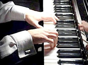 де пограти на піаніно