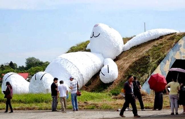 Гігантський Місячний кролик: