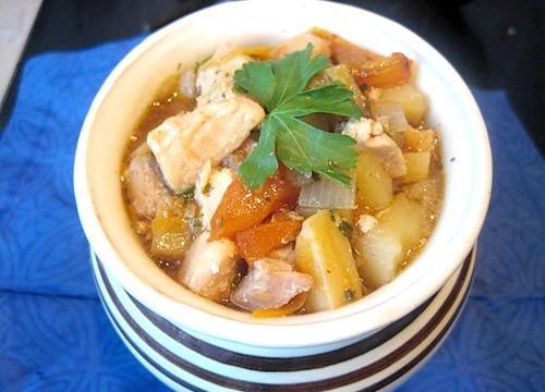Готуємо в горщиках: Русское печеня з мясомІнгредіенти на 4 порції: 650 гр яловичини, 1 1/2 кг картоплі,