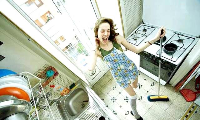 Худнемо під час поцілунків: Якщо ви лінуєтеся зайнятися домашніми справами, то ось вам стимул: витирання пилу з меблів спалює від 60 до 80 ккал,