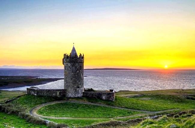 Ірландія - рай для мандрівників: [i] Замок Дунагор [/ i]