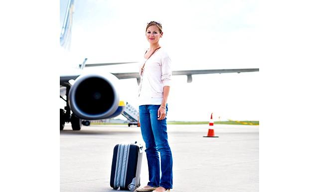 З вартості авіаквитків виключать їжу і багаж: Передбачається, що у вартість квитків не буде автоматично вмикатися плата за харчування на борту і за обробку багажу.