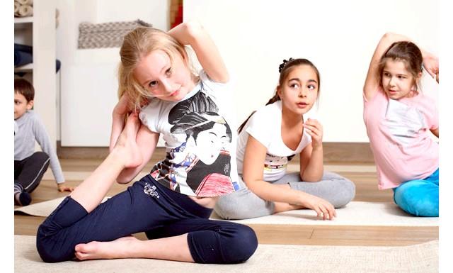 Йога для дітей - чи потрібно: З фізичної точки зору, заняття йогою для дітей розвивають у дитини силу, витривалість, гнучкість і координацію - ці здібності закладаються