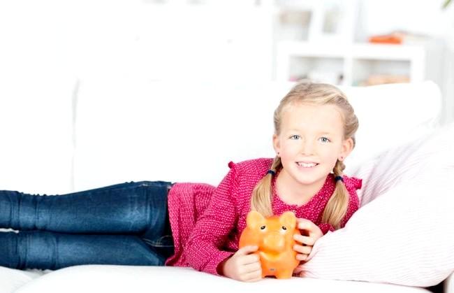 Як навчити дитину поводженню з грошима: Як уберегти дітей від спокус і себе від зайвих витрат? В першу чергу, потрібно подивитися, як ви самі ставитеся до