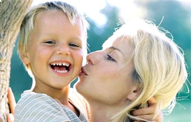 Що не знизити самооцінку своєї дитини: Але ж любити дитину треба просто так! Просто тому, що він є, і це вже щастя. Буває, що батьки бояться