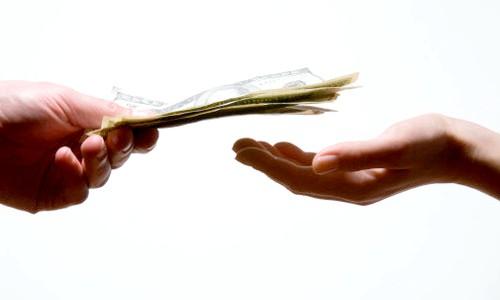 Як потрібно правильно платити аліменти за наявності неповнолітніх дітей