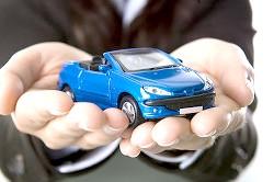Присудження кредитного автомобіля одному з подружжя з подальшою виплатою