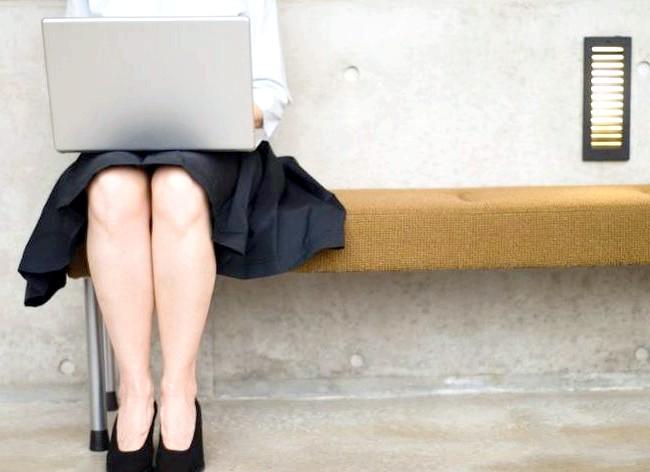 Як спалити калорії в офісі і зробити вправи ефективніше: Замість того, щоб посилати електронні листи або телефонувати, можна адже поговорити з колегами особисто. Ви будете набагато більше