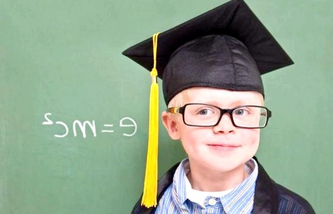 Як виростити розумну дитину: ЩЕ КІЛЬКА ЗАГАЛЬНИХ ПРАВИЛ 1. Розвивати сильні сторони, не зациклюючись на слабих.2. Чи не