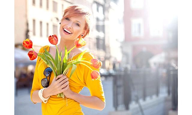 Які квіти подарувати на 8 березня ?: Різноманітних думок на цей рахунок існує безліч, єдиним безперечним правилом можна назвати тільки те, що квіти потрібно подарувати обов'язково;