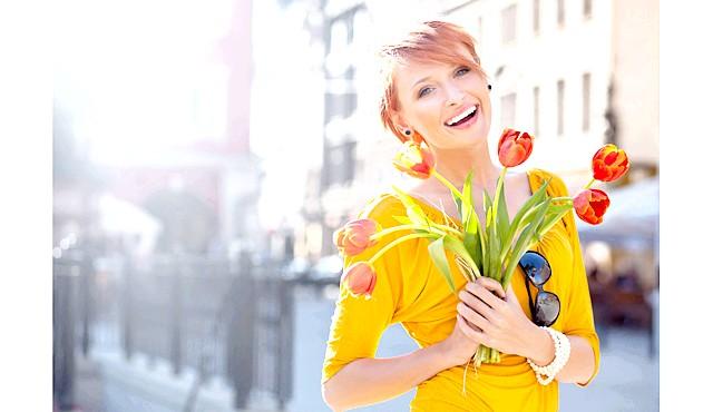 Які квіти посадити у квітнику за вікном: Горщик або декоративний ящик за вікном допоможе відчути подих весни навіть у міській квартирі. Щоб виростити свій квітник за вікном,