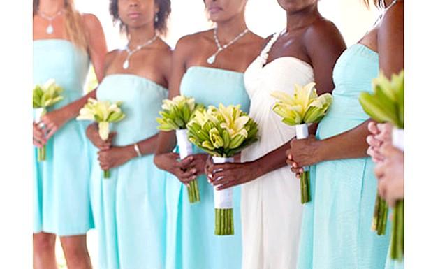 Який колір вибрати для весілля в 2013 році: З енергійністю, радістю і природною силою асоціюється мандариновий колір. Переважання такого кольору підніме настрій вам і вашим близьким, навіть у