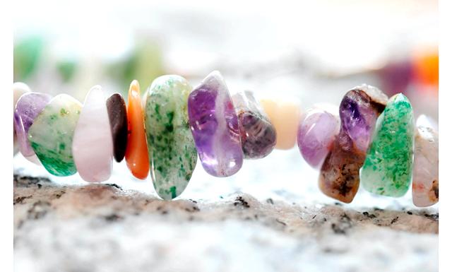 Камені, що допомагають в любові: Тільки потрібно точно знати чого ви хочете. Відомо, наприклад, що сердолік, камінь Венери - любовний талісман, що розпалює емоції власника і