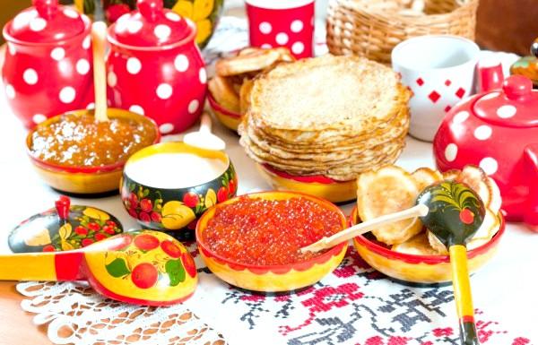 Коли масниця в 2013 році: Масляна триває сім днів, і кожен день цього святкового тижня має свою назву і свій сенс. [Color = OrangeRed] [i] понеділок [/ i] [/ color]