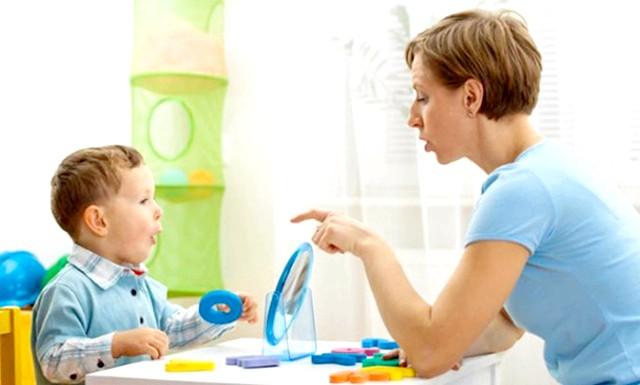 Коли дитині потрібно логопед ?: Діти дуже не схожі один на одного не тільки зовнішністю і характером, але й особливостями свого розвитку. Одні вже в