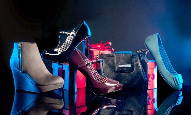 Колекція взуття Payless від Крістіана Сиріано: Крістіан Сиріано одягає найвідоміших зірок у Голівуді, а його стажування у Вів'єн Вествуд та Олександра Маккуїна допомогли йому осягнути